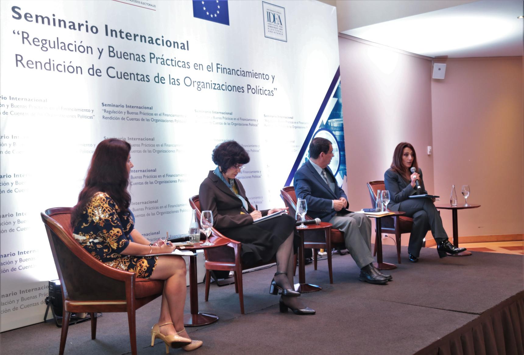 Directora del área de Calidad de la Democracia participa en debate sobre reformas políticas en Perú