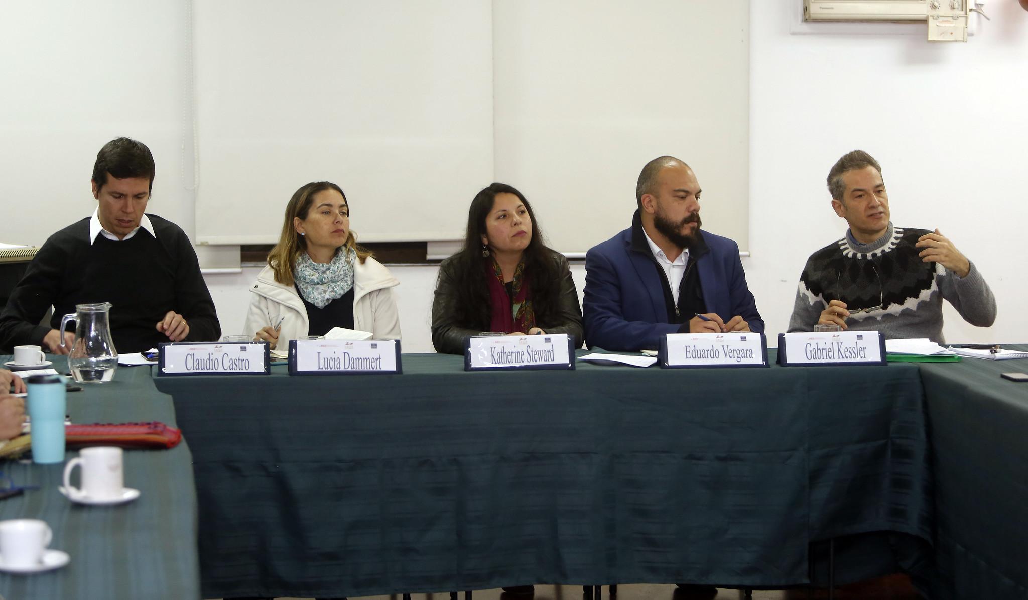 """Seminario """"Propuestas para enfrentar la violencia y la delincuencia"""" en Chile 21"""